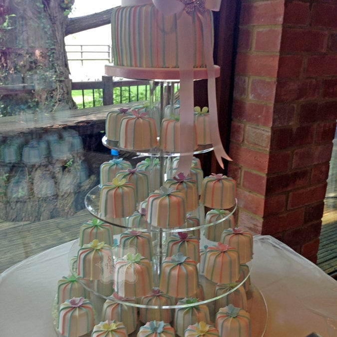 Mini Cakes Brentwood – Old Brook Barn, 25th July 2015