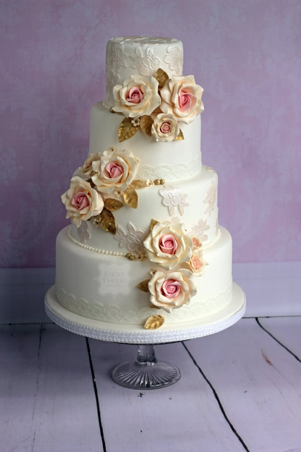 Wedding Cake - Lois