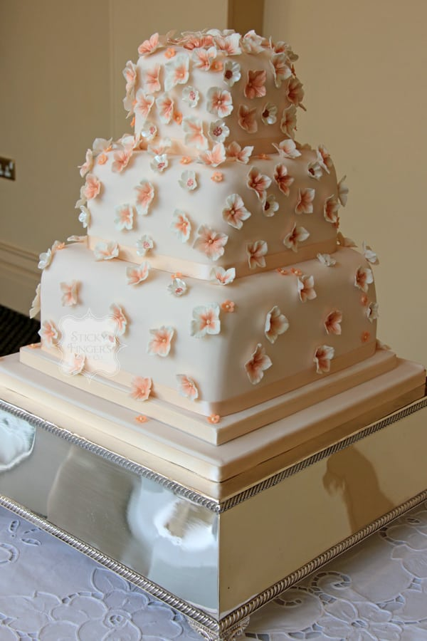 Wedding Cake Rochford – The Lawn 5th April 2014