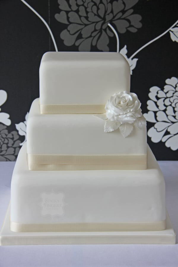 Wedding Cake - SingleRose
