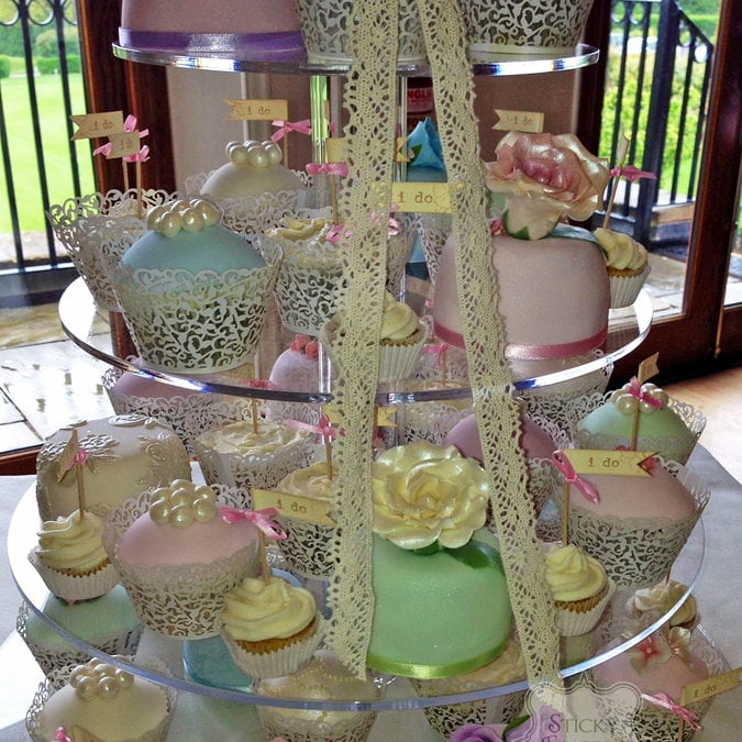 Cupcakes & Mini Cakes Billericay – Stock Brook Manor, 1st May 2014