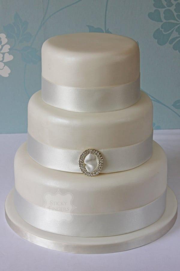 Wedding Cake - Vintage
