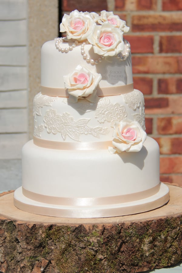 wedding cake makers in essex vintage wedding cakes essex sticky fingers cake co 23160