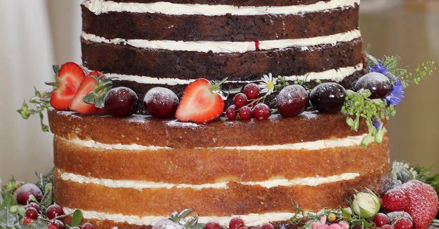 Is the Naked Wedding Cake Waning?