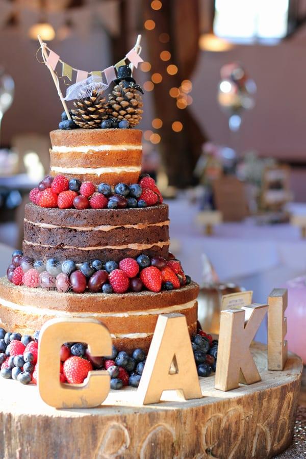 Naked Wedding Cake Sudbury, Suffolk – Smeetham Hall Barn, 22nd October 2016