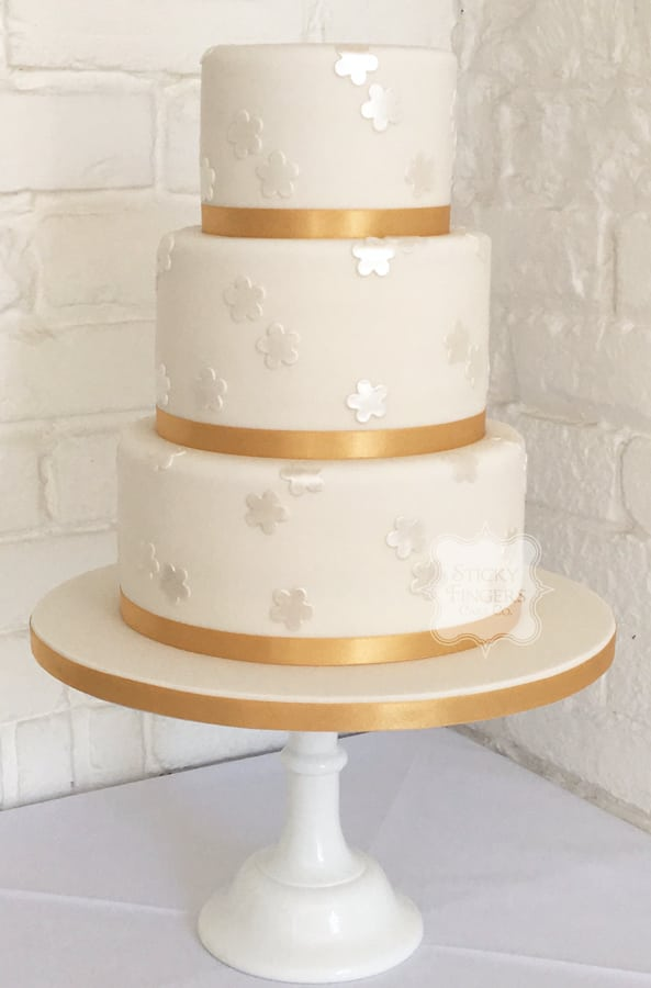 3 Tier Iced Wedding Cake, Rayleigh, Essex – The Old Parish Rooms, 10th June 2017